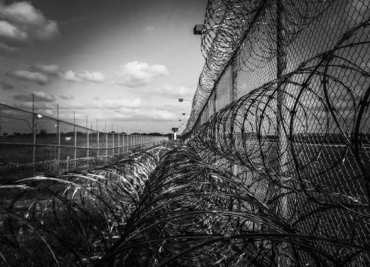 prison-fence-219264_960_720